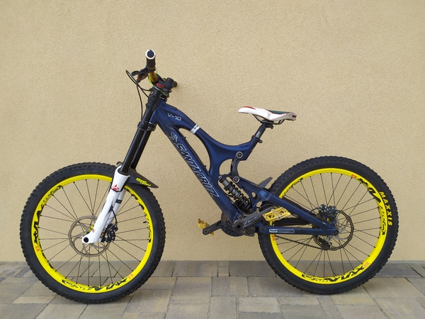 Santa Cruz - V10