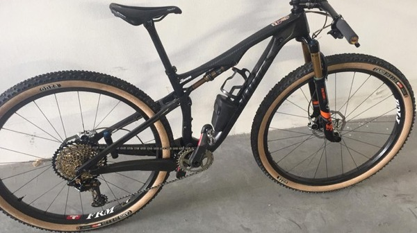 Specialized - EPIC SWORKS S FRM FOX GALLO MOTO