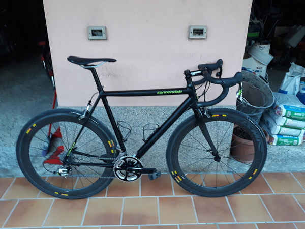 Cannondale - caad 10 Black inc
