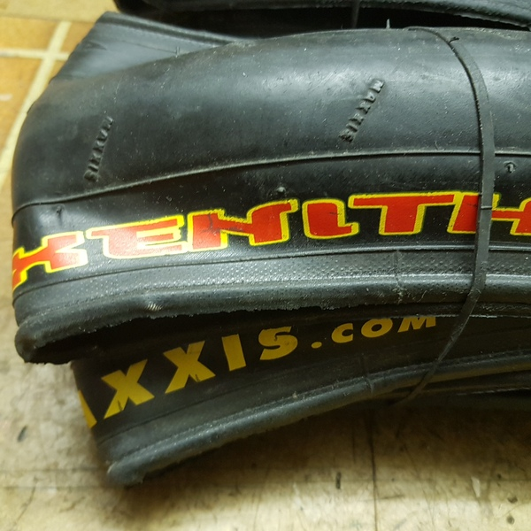 Maxxxis - Coppia copertoni Maxxis Xenith 26x1.50 per mtb
