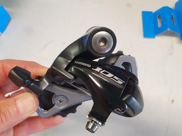 Shimano - Cambio posteriore RD5701 SS
