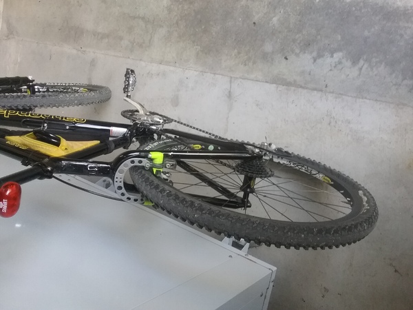 Cannondale - F900