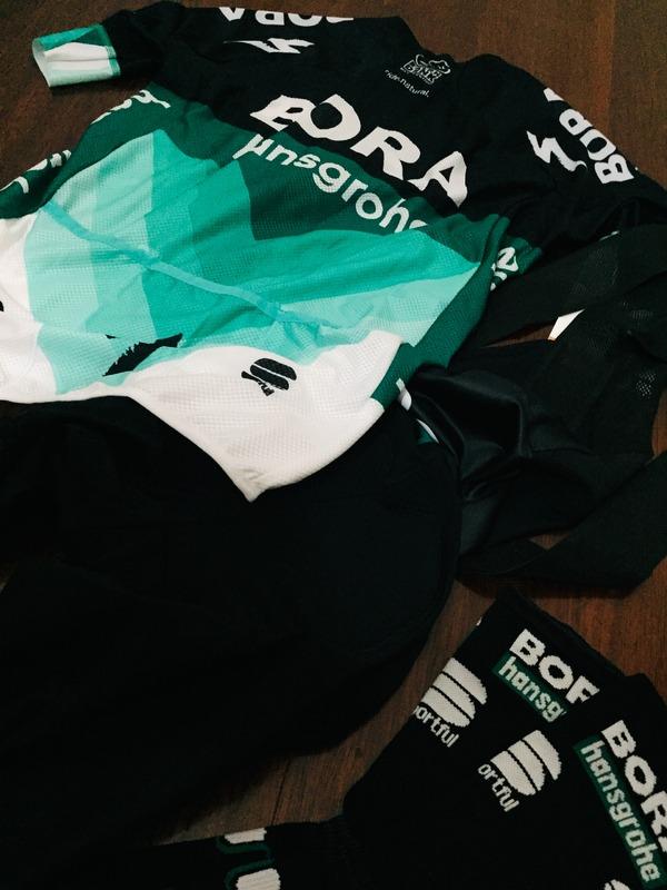 Sportfull - Estivo team Pro Bora Hansgrohe